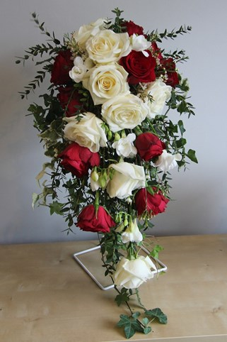 Red and Ivory wedding flowers